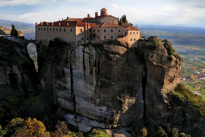 monasteries meteora greece